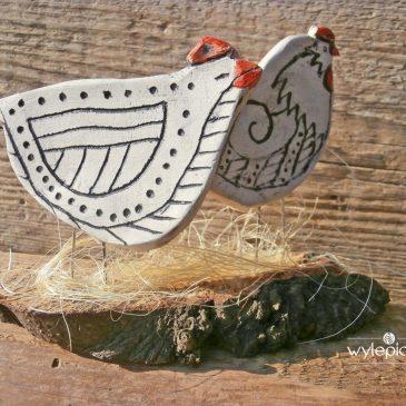 Wielkanocne ozdoby ceramiczne. Kurki.
