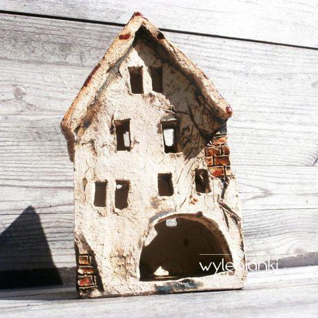 Stary domek na swieczke
