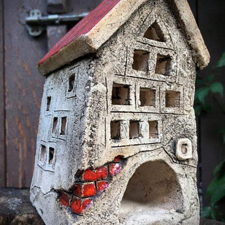 maly-domek-ceramiczny-na-swieczke