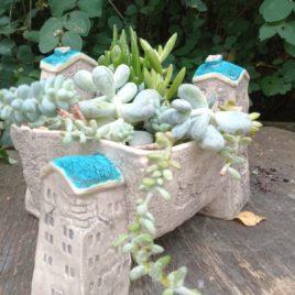 Wiszące ogrody – osłonka na sukulenty i kaktusy (niebieskie daszki)