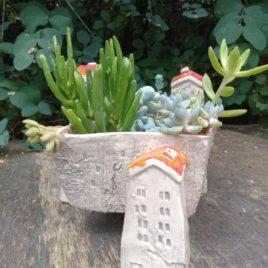 Wiszące ogrody – osłonka na sukulenty i kaktusy (pomarańczowe daszki)